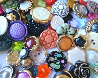120 Flower buttons, vintage, antique and few new buttons, plastic buttons
