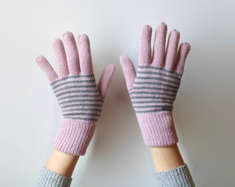 Cute Gloves, Knit Gloves, Pink Gloves, 90s Gloves, Womens Gloves, Wool Gloves, Knitted Items, Vintage Gloves, Winter Accessories