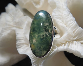 Beautiful Green Moss Agate Ring Size 8.25