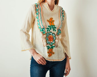 Vintage Cream Embroidered 70s Top