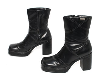 size 7.5 PLATFORM black vegan leather 80s 90s CHUNKY GRUNGE zip up ankle boots