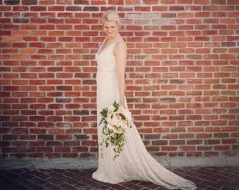 Wedding dress sale size 8 ivory lace tank strap low back beach destination hippie chic boho dahlnyc New York train