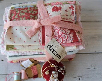 Inspiration Fabric Bundle . DIY fabric kit, Vintage Fabric Pack . Fat Quarters . Fabric Projects . Fabric KIT . #8861 DREAM
