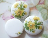 2 Vintage Japan Yellow Rose 18mm Cab Cameo C38