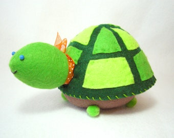 Turtle pincushion, Cute felt turtle, Sewing gift, Sewing accessory, Green turtle, Turtle lover gift, Sewing room decor, Stuffed turtle, MTO