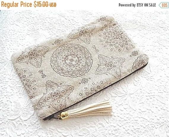 CLEARANCE Brown purse, linen purse, fabric purse, zippered pouch, pencil case, makeup pouch, bag organizer