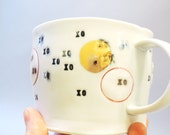 XO & Gold dots - porcelain cup with translucent bottom