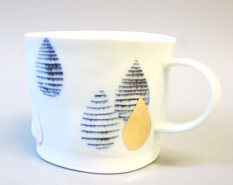 Golden drop - porcelain cup with translucent bottom