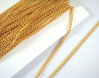 25ft Gold Plated Curb Chain Plated Iron 3.7x2.5mm Not Soldered - 25 feet - STR9047CH-G25