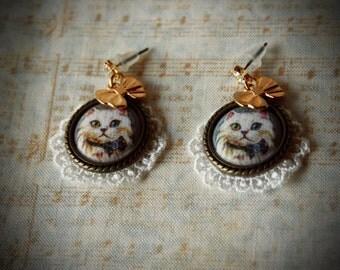 Sweet Lolita cat cameo earrings