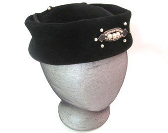 Unique black fur with pearls and seed beads ladies vintage pillbox hat