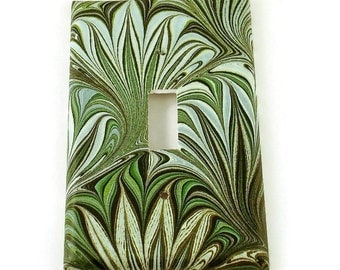 Light Switch Plate Wall Decor  Single Light Switch Cover Green Swirl  ( 234S)