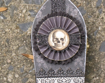 Small Vintage Gothic Paper Mache Coffin Box Vampire Dracula Victorian Steampunk with Skull