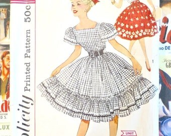 Vintage 1950s Teen Girls Blouse and Full Skirt Pattern - Simplicity 3295