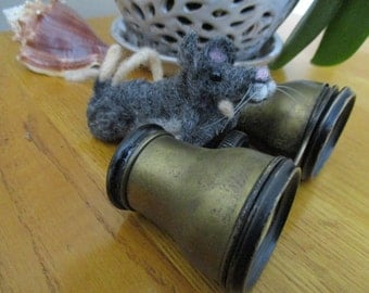 Felted birdwatching mouse with vintage binoculars