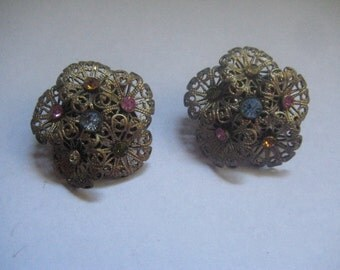 Marvella 40s Filigree Flowers with Rhinestone Center Clip On Earrings