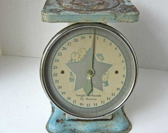 Vintage 1940's Nursery Scale in Old Worn Blue Paint with Babies in a Big Silver Star on the Face, 30 LB Scale, Baby Scale, Package Scale