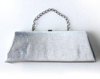 1950s/60s Vintage Silver Textured Vinyl Handbag Clutch Holiday Bag