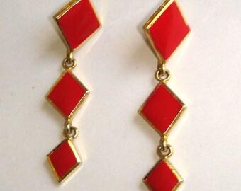 vintage red diamonds dangle drop gold pierced earrings