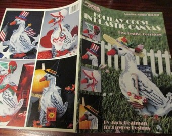 Plastic Canvas Doorstops Holiday Goose Leisure Arts 1360 Plastic Canvas Pattern Leaflet