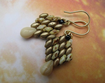 Beige and Gold Earrings, Beaded Earrings, Superduo Earrings