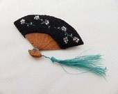 Japanese Black Hand Fan -  Embroidered Felt & Leather Novelty Brooch Pin