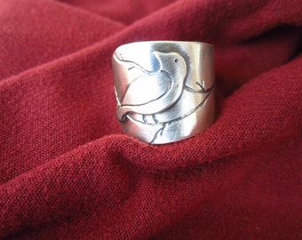Sterling Silver Looking Back Bird Ring