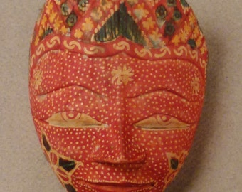 MASK INDONESIAN ETHNOGRAPHIC Carved miniature Wood red and green colors app 4x3x2 in