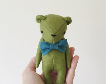 the dear ones rainbow edition | apple green bear softie