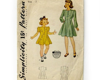 1940s Vintage Sewing Pattern / Simplicity 4031 / Girls Flared Dress with Puff Sleeves or Long Sleeves / Size 2 Breast 21