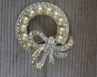 Vintage Jardinay Pearl Pin