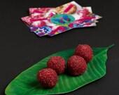 VALENTINE SALE Raspberrina: raw vegan energy balls with raspberries, cashew nuts, orange and vanilla. Organic and no gluten or sugar