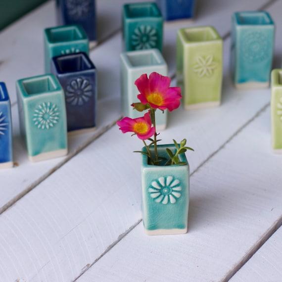 Porcelain Wedding Favors: Porcelain Bud Vase Wedding Favors