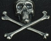 Skull and Crossbones Charm, 52mm Classic Silver Metal, pack of 2 15252CS