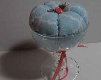 Cocktail glass Pin Cushion in light blue with ribbon flower accent
