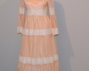 Vintage Dress Peasant Peach with Lace