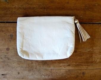 White Leather Clutch 80s Fringed Leather Handbag Simple Vintage 1980s Minimal Clutch Boho Glam Womens Purse