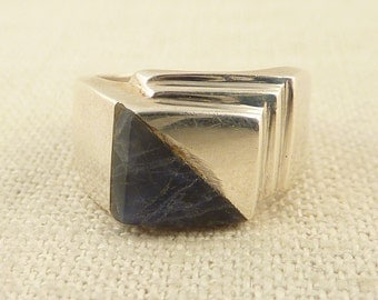 SALE ---- Size 7.5 Vintage Mexican Sterling and Sodalite Modernist Geometric Ring