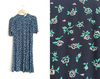 SALE // Size M // FLORAL PINTUCKED Dress // Navy Blue - Rayon Dress - Pockets - Vintage '80s.