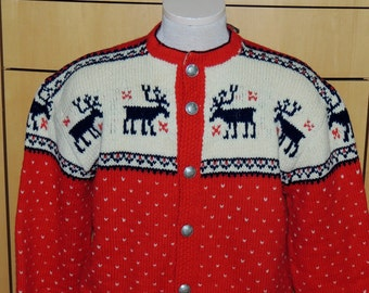 1950s Reindeer Motif hand knit sweater, made in Norway Unisex