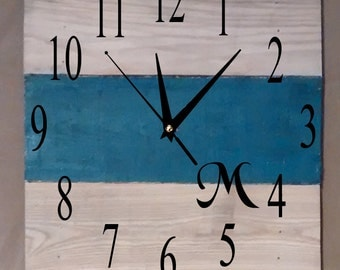 Pallet Clock - Lt. Wood With Initial