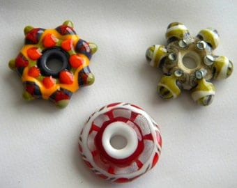 Three 3 Artist, Lori Peterson, Glass Lampwork Round Beads with Hole in the Center, Loribeads, Red White Orange Green Brown Stone Like