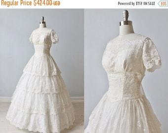 SALE Vintage 1950s Wedding Dress / 1950s Embrodiered Wedding Gown / Eyelet Dress / Silk Organza