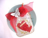Jar of Love and Hearts XL Clip On Gift Tags~Candy Jar~Hearts~Red~Gold~Capture My Heart~Butterfly~Spring
