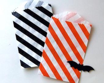 "20 Small Halloween Treat Bags in Black & Orange Diagonal Stripes . 2.75"" x 4"""