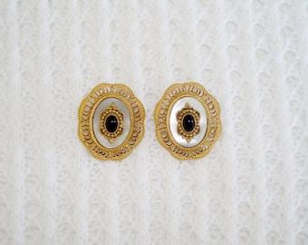Vintage Elegant Gold Tone Pierced Earrings
