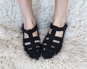 uncaged -- vintage 80's black cotton cage flats size 7