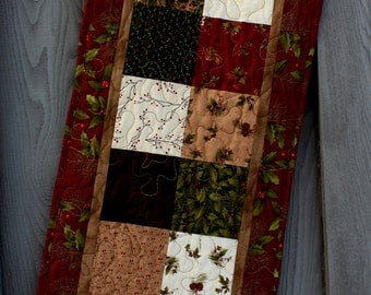 Christmas Quilted Table Runner, Winter Song Table Runner, Holly Runner, Christmas Table Runner