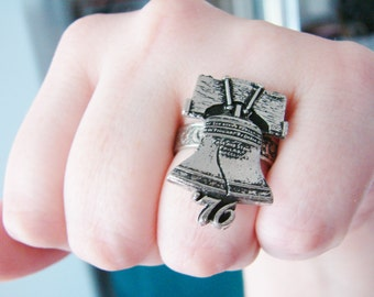 Vintage silver liberty bell ring (RI-3)