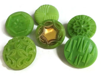 Lime Vintage Glass Buttons - 6 Antique Green 3/4 inch 19mm for Jewelry Beads Sewing Knitting